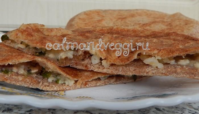 Алу паратха (лепешки с картофельной начинкой из цельнозерновой муки). Рецепт.