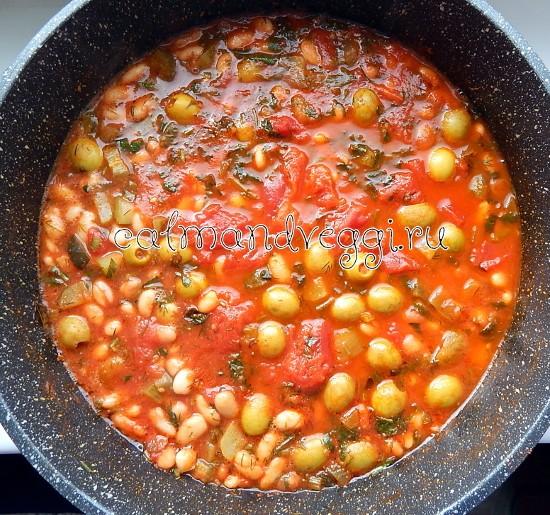 Вегетарианская солянка из белой фасоли, рецепт с фото