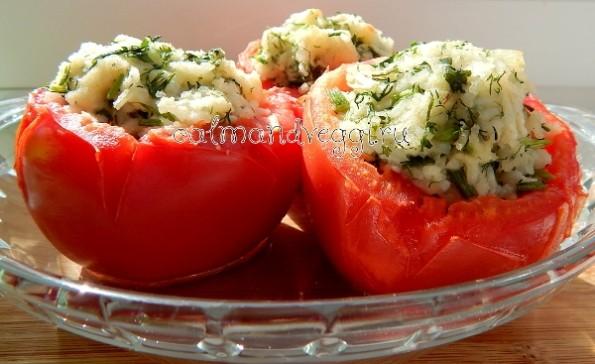 помидоры фаршированные рисом и зеленью