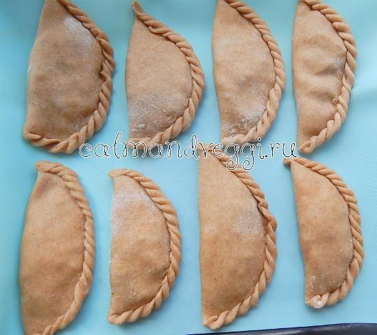 Пирожки из цельнозерновой муки в духовке
