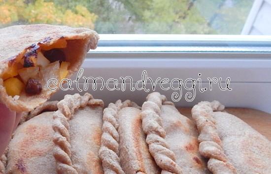 Цельнозерновые пирожки с тыквой в духовке