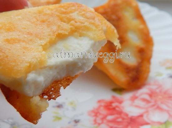 жареный сыр в кляре на сковороде