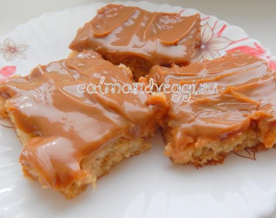 карамельные пирожные с вареной сгущенкой рецепт с фото